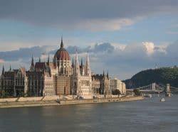 La jolie capitale de la Hongrie vous attend !