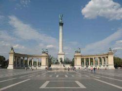 La place des Héros est un des monuments les plus connus de Budapest.