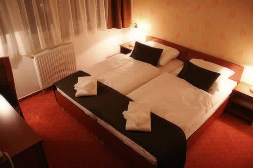 L'hotel Canada se situe á proximité de la clinique.