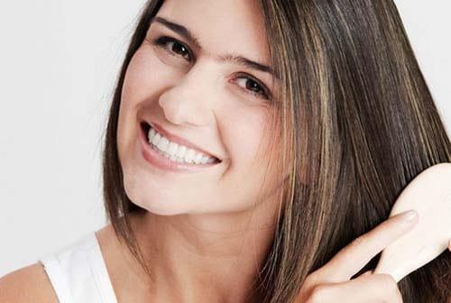 Une solution pour la calvitie des femmes ? La greffe de cheveux par exemple !
