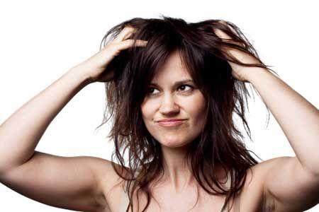 Le lavage par loeuf aide à la chute des cheveux