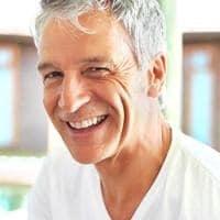 La greffe de cheveux est une solution définitive contre la calvitie.