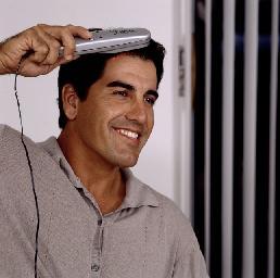 Le laser aide le traitement de cheveux, mais pas la chirurgie de cheveux.