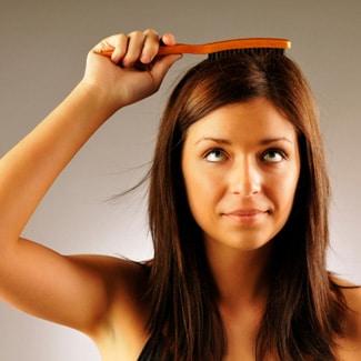 La chute de cheveux est une maladie commune partout dans le monde.