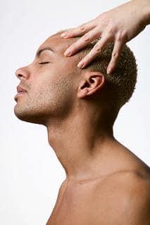 Faites connaissance avec les traitements offerts par une clinique de cheveux !