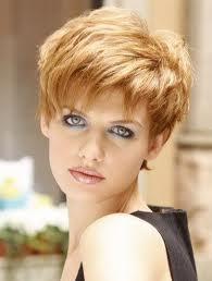 Une coupe de cheveux peut camoufler la chute de cheveux.