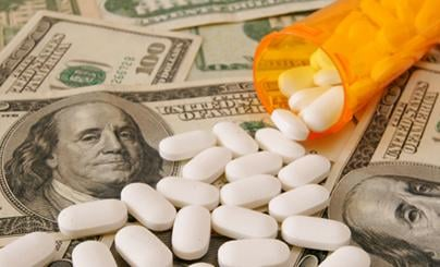 Les couts des implants sont moins chers que les tarifs des médicaments - si on considére les années d'utilisation.