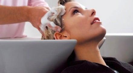 Les coiffeurs sont aussi des spécialistes de cheveux.