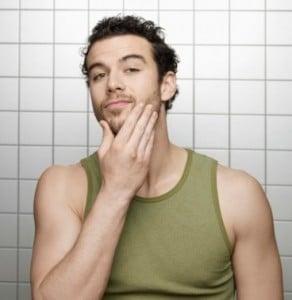 Chirurgie esthétique de cheveux pour les hommes.