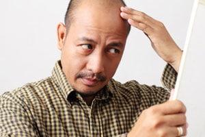 Quand consulter un dermatologue capillaire ?