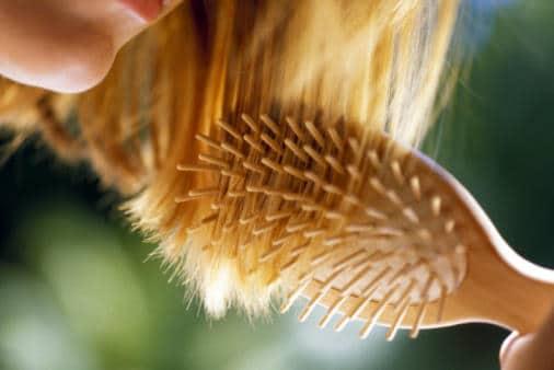 Implant de cheveux pour femmes. Clinique capillaire !