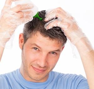 Trouver une solution contre la perte de cheveux chez l'homme.