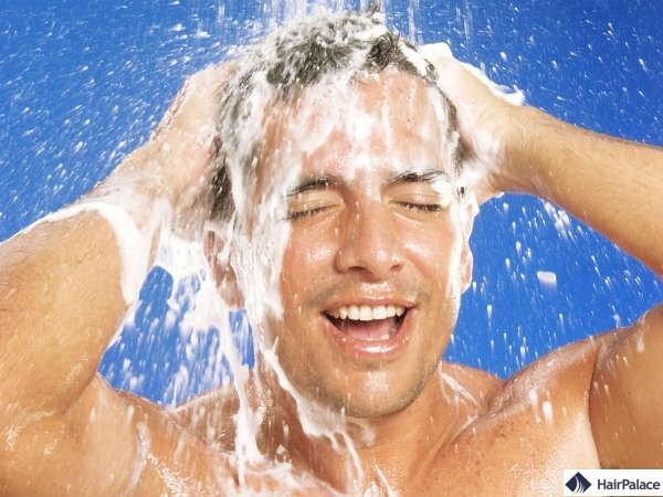 Soins pour des problemes de cheveux pour hommes.