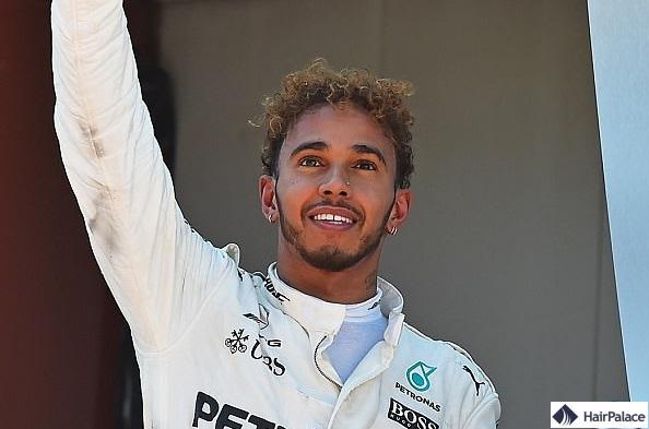 Lewis Hamilton se serait fait greffer des cheveux