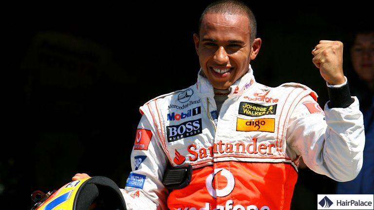 Le front dégarni de Lewis Hamilton